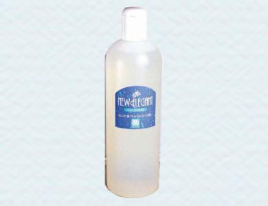 ニューエレガントは、おしゃれ着やドライマーク衣料用の洗たく剤です。天然溶剤・柔軟剤配合。無けい光なのでランジェリー・きなりも安心です。香料・着色剤・けい光剤は一切含まれていません